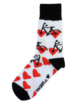 Носки белые с красными сердцами